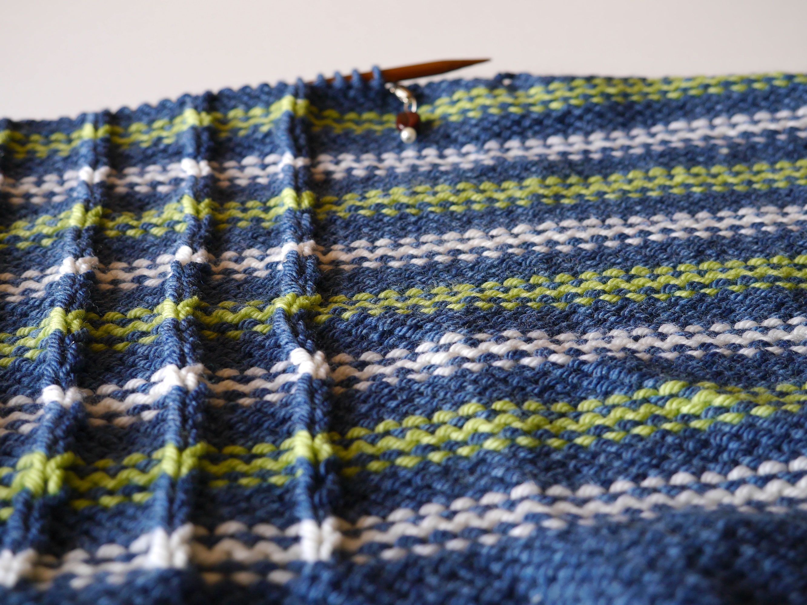 Holly Chayes » adding a zipper to a hand knit sweater