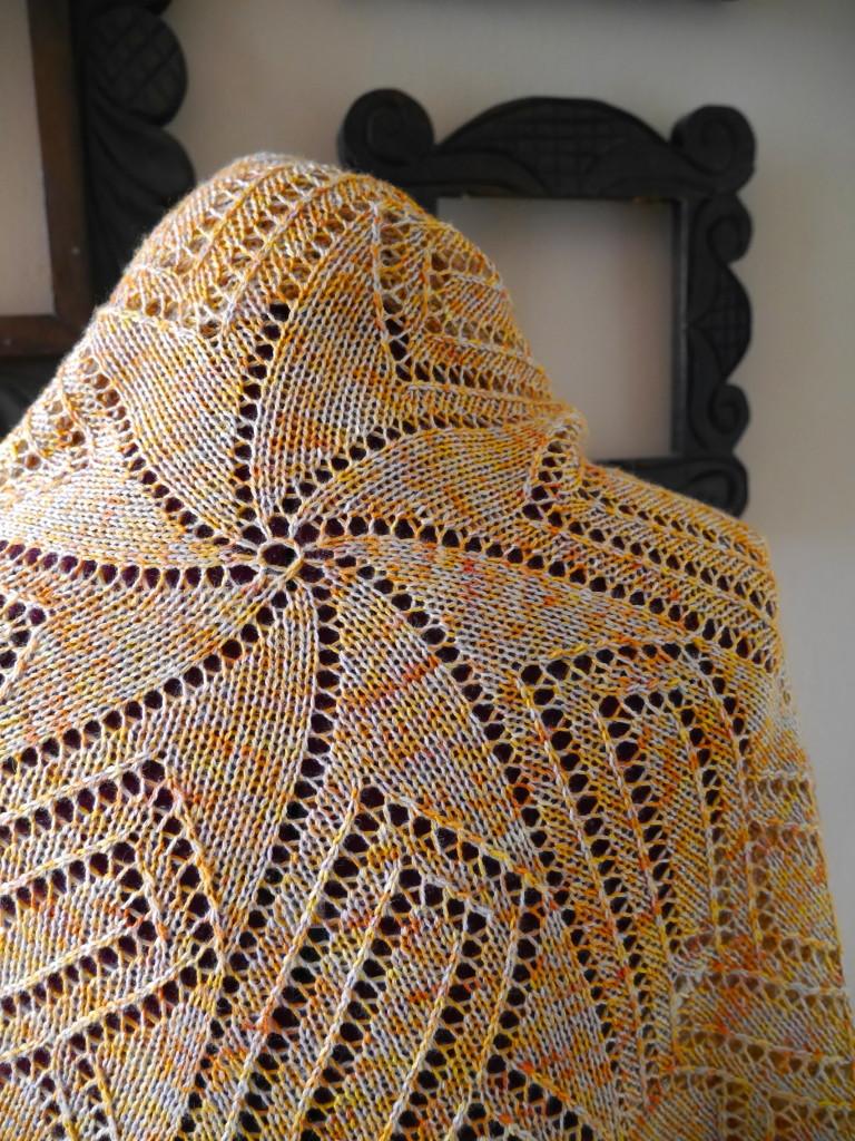 Ordo - a knitted shawl