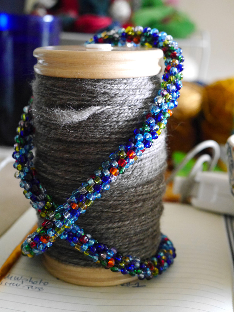 yarn-and-necklace