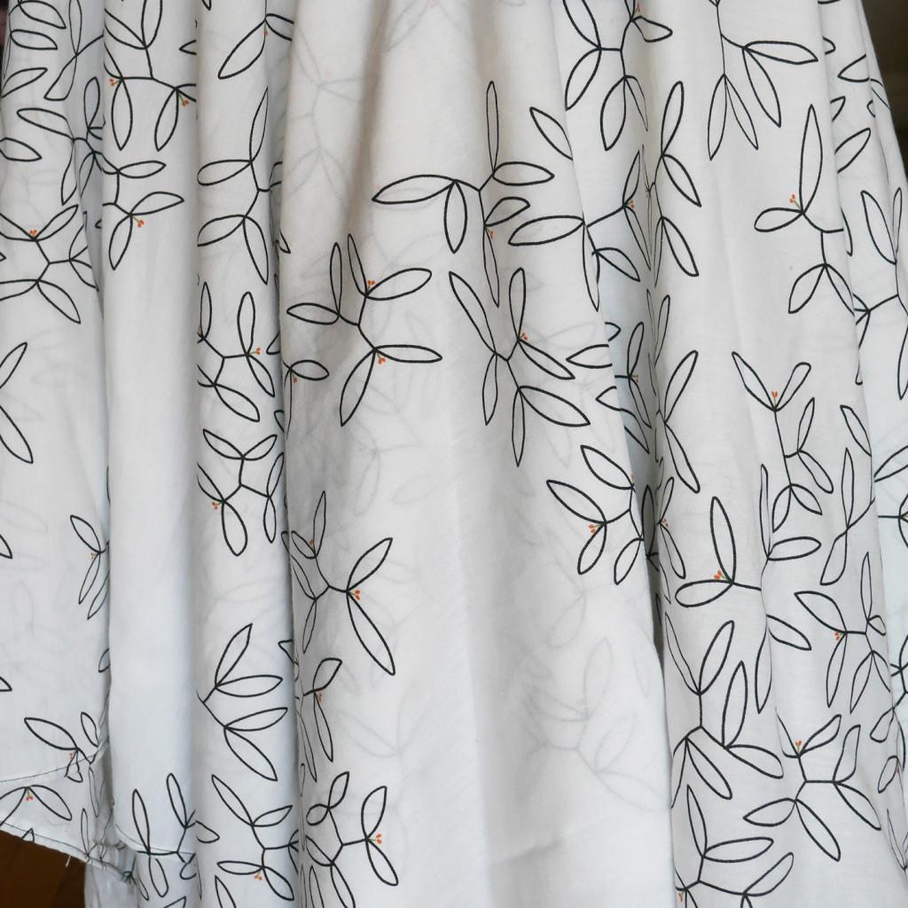 vine-skirt-print-detail